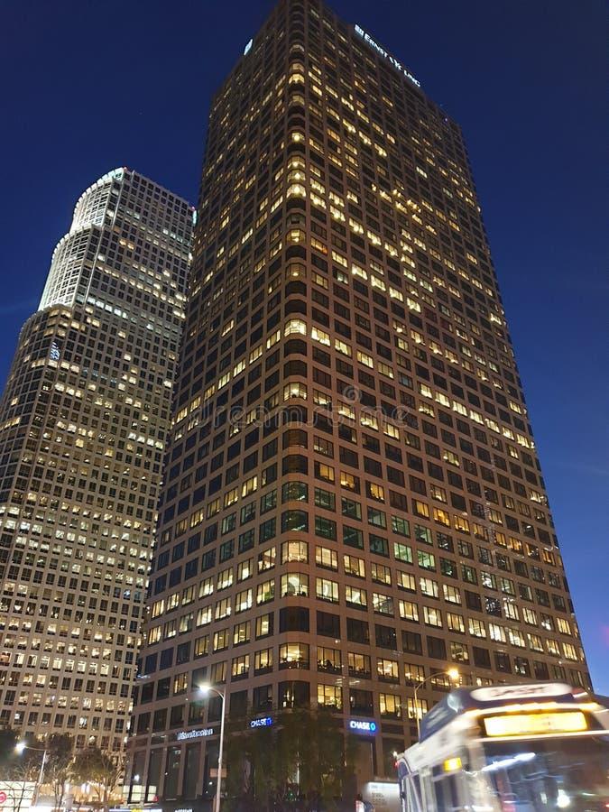 Noite do centro de Los Angeles imagens de stock royalty free