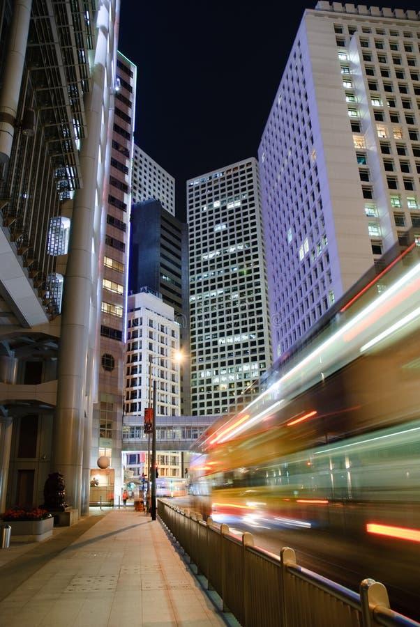 Noite do centro de negócios de Hong Kong fotos de stock royalty free