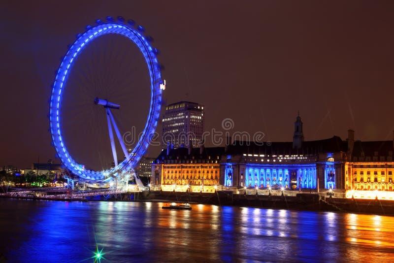Noite do olho de Londres, Reino Unido fotografia de stock royalty free