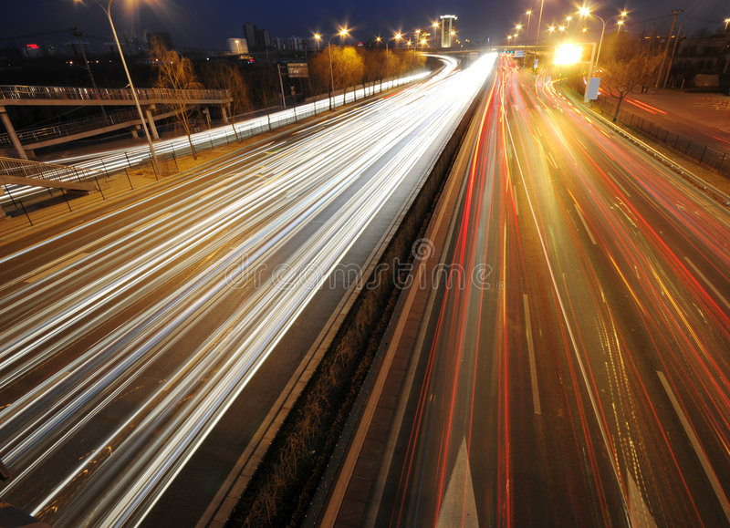 Noite do tráfego da cidade fotos de stock