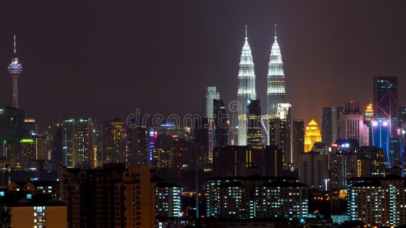 Noite em Kuala Lumpur, Malásia fotografia de stock