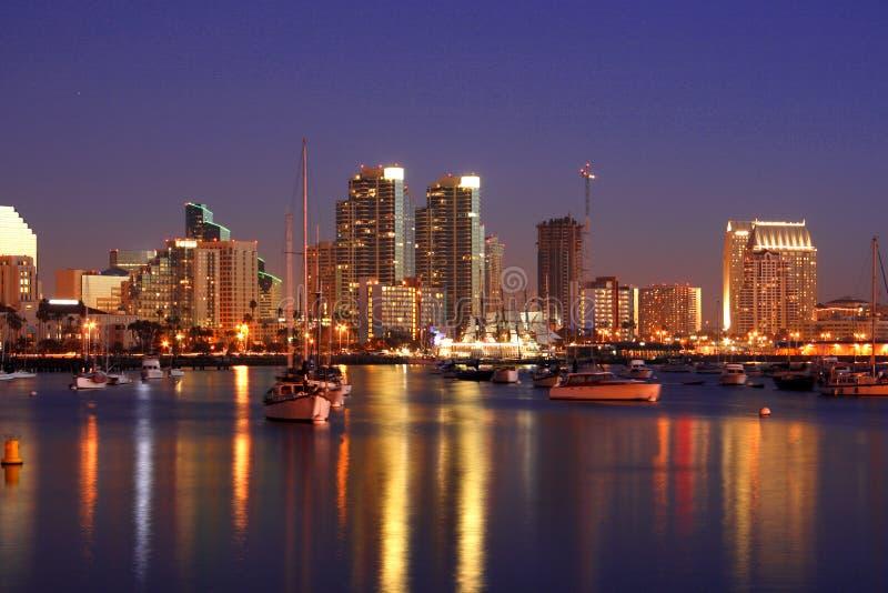 Noite em San Diego, Ca, skyline imagens de stock royalty free