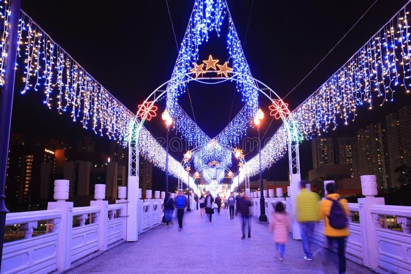 a noite em Sha Tin Festive Lighting foto de stock