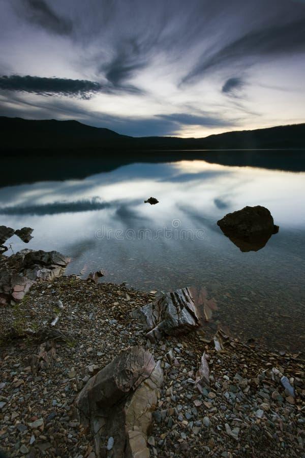 A noite está vindo - parque nacional de geleira imagens de stock royalty free
