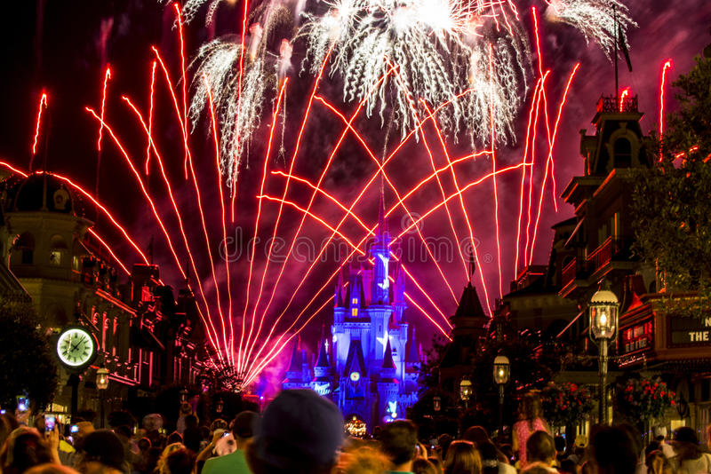 Noite II de Disney Orlando Castle fotografia de stock royalty free