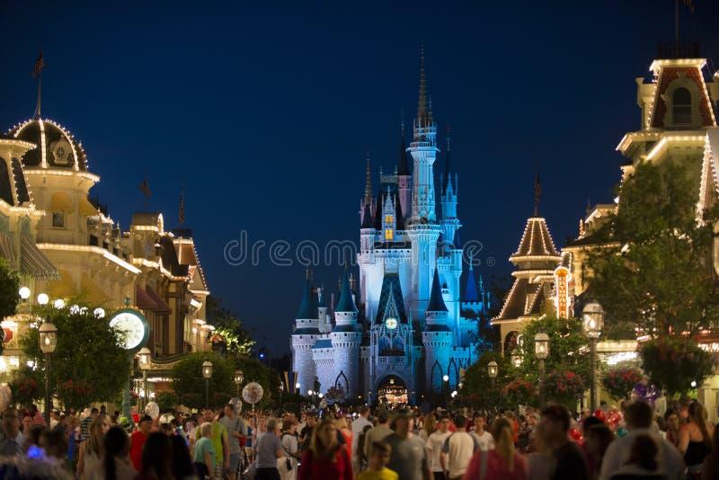 Noite II de Disney Orlando Castle imagens de stock