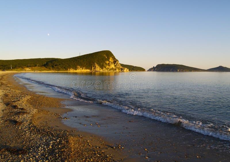 Download Noite na costa de mar imagem de stock. Imagem de baía - 12807235