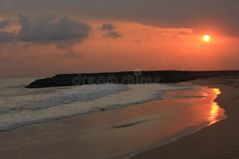 Noite na praia foto de stock royalty free