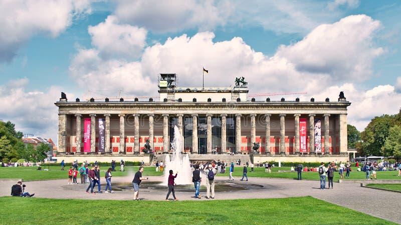Noite no museu de Altes, Berlim imagem de stock