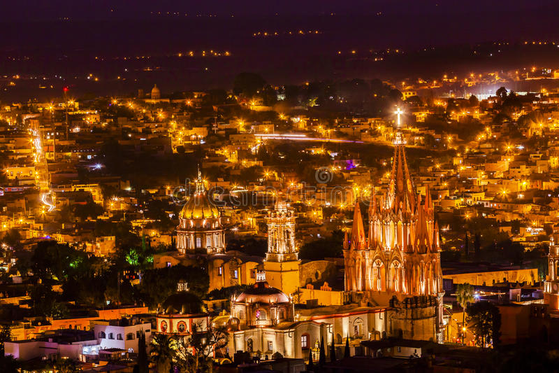 Noite Parroquia de San Miguel de Allende Mexico Miramar Overlook fotos de stock