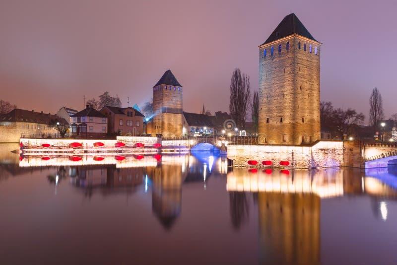 Noite Petite France em Strasbourg, Als?cia imagens de stock