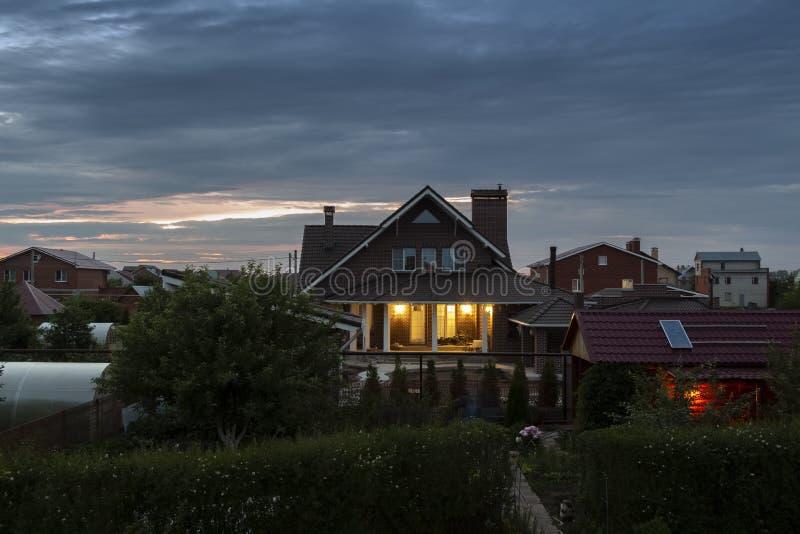 Noite quieta na vila imagens de stock royalty free