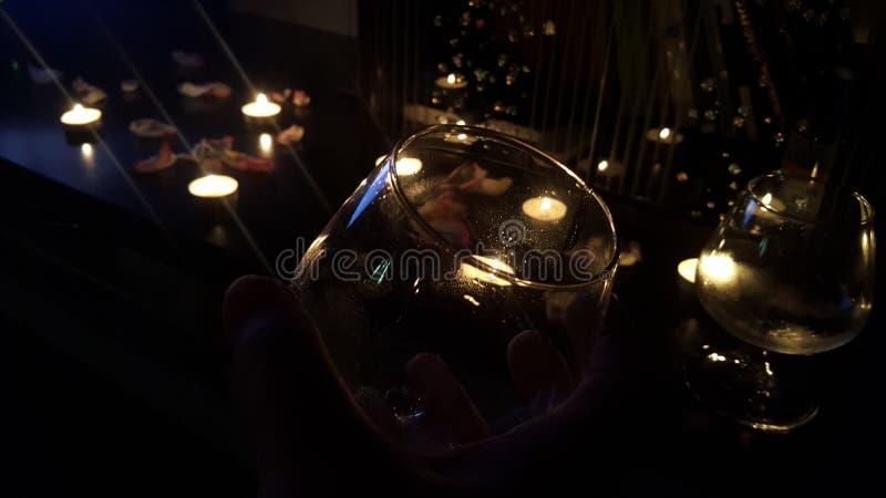 noite romântica com esposa amado St Valentine& x27; celebração do dia de s com a segunda metade imagens de stock