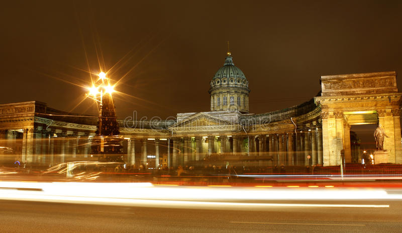 Noite St Petersburg fotografia de stock royalty free