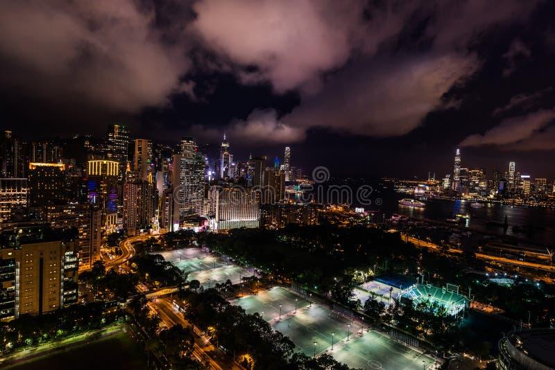 Noite Victoria Park Causeway Bay Hong Kong da arquitetura da cidade imagens de stock royalty free