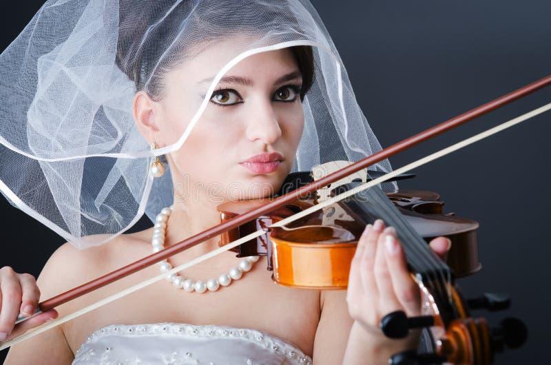 Noiva bonita no estúdio foto de stock royalty free
