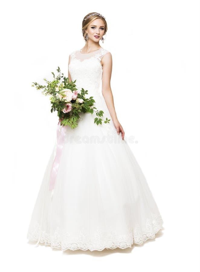 Noiva bonita nova com ramalhete do casamento fotografia de stock