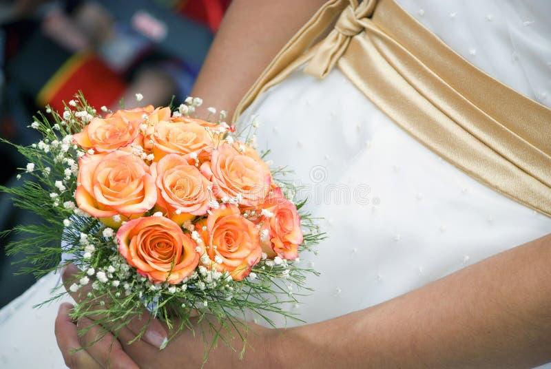 A noiva com flores foto de stock royalty free