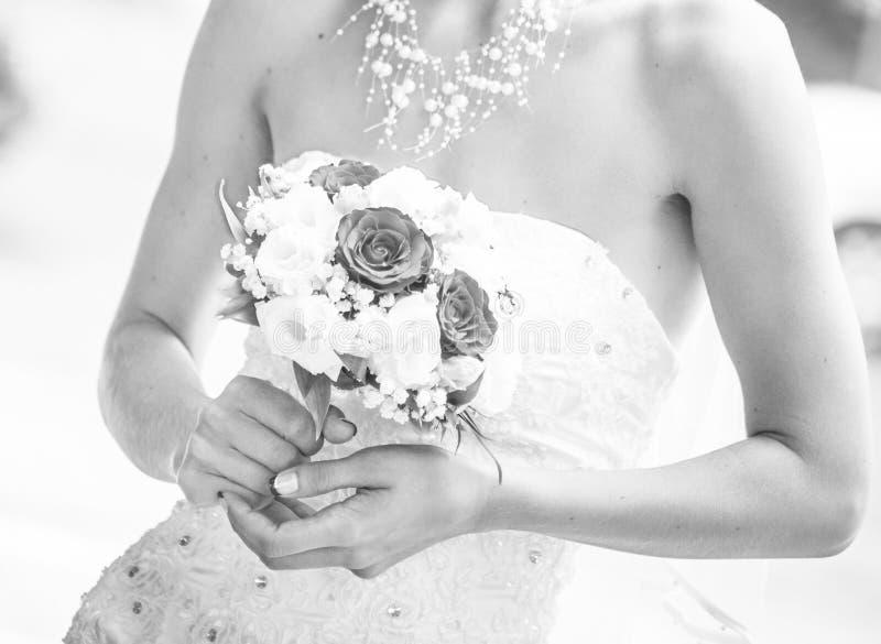 Noiva com ramalhete do casamento imagem de stock