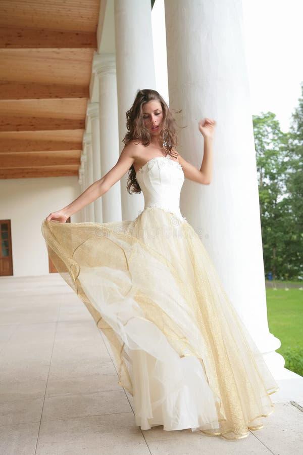 Noiva da dança imagem de stock