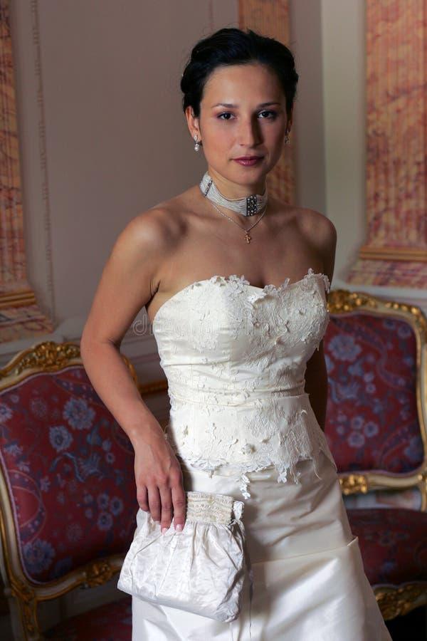 Noiva de Serxy no espartilho branco fotos de stock