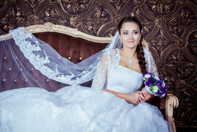 Noiva de sorriso bonita imagem de stock royalty free
