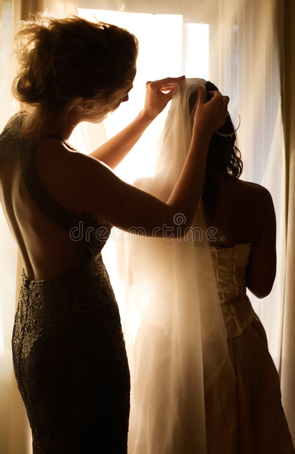 Noiva e dama de honra fotos de stock