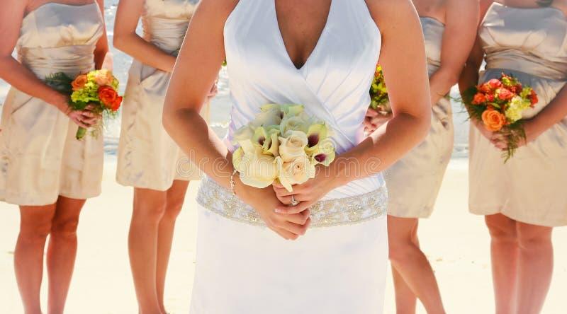 Noiva e damas de honra fotografia de stock