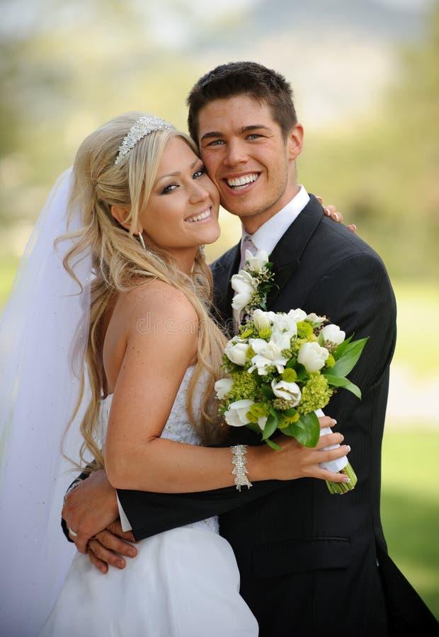 Noiva e noivo fotografia de stock royalty free