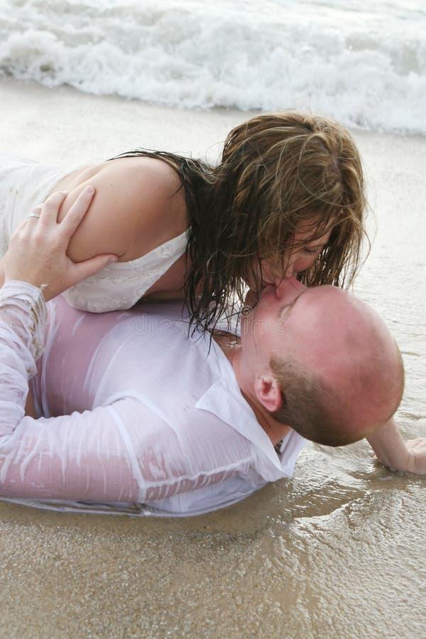 Noiva e noivo. fotografia de stock royalty free