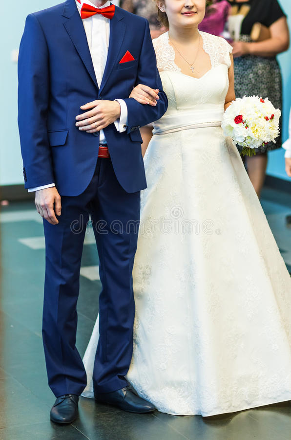 Noiva e noivo na cerimónia de casamento foto de stock