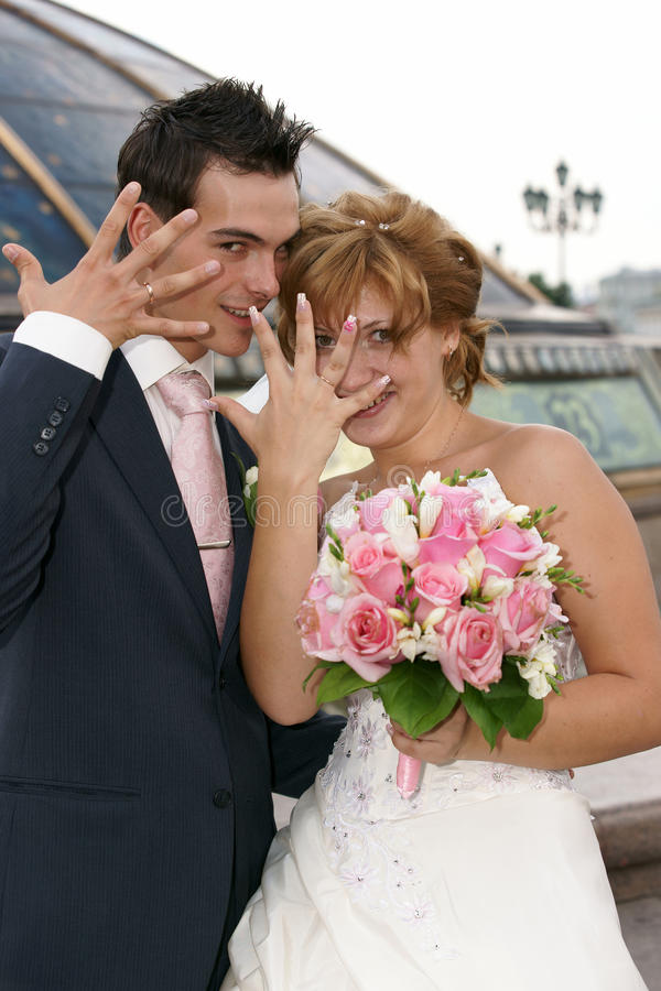 Noiva e noivo novos foto de stock royalty free