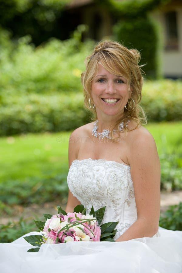 Noiva feliz bonita foto de stock royalty free