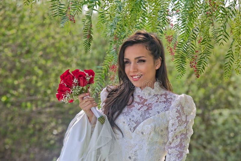 Noiva latino-americano lindo foto de stock royalty free