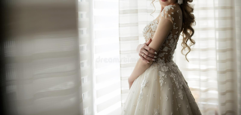 A noiva na janela imagens de stock royalty free