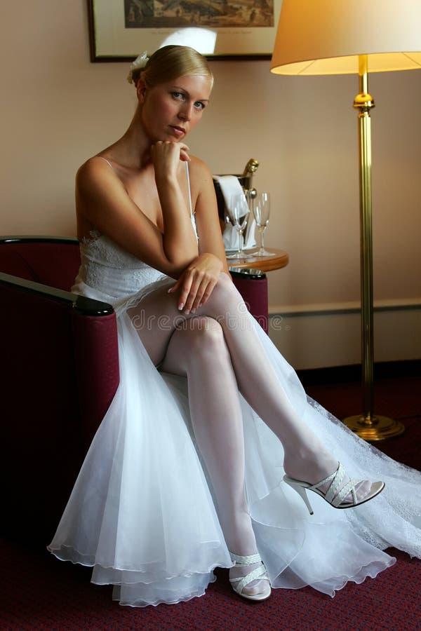 Noiva nervosa no dia do casamento fotos de stock royalty free