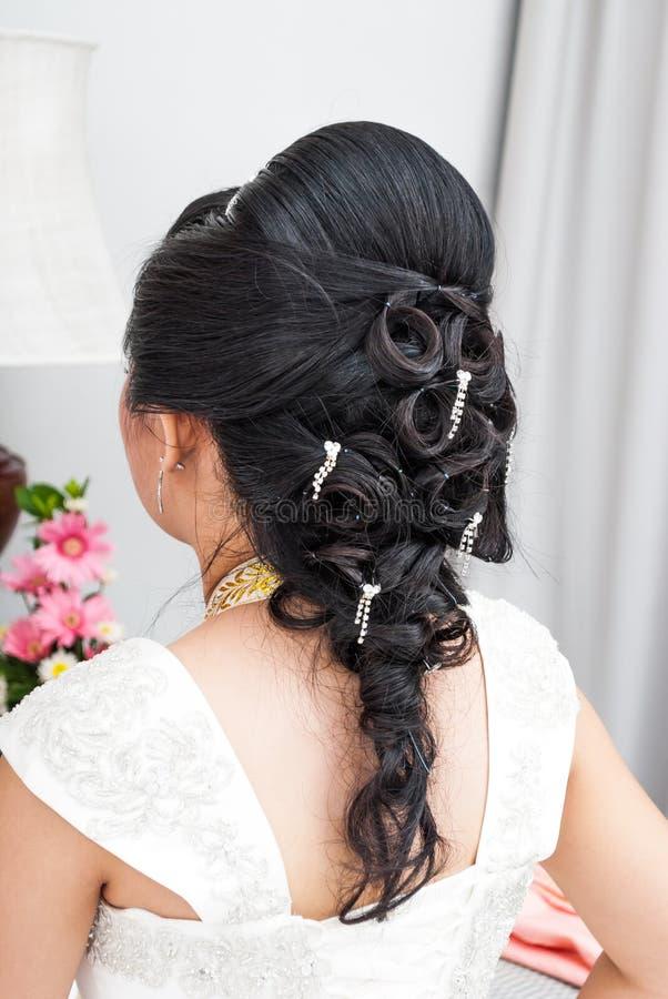 Noiva tailandesa asiática com penteado bonito imagens de stock