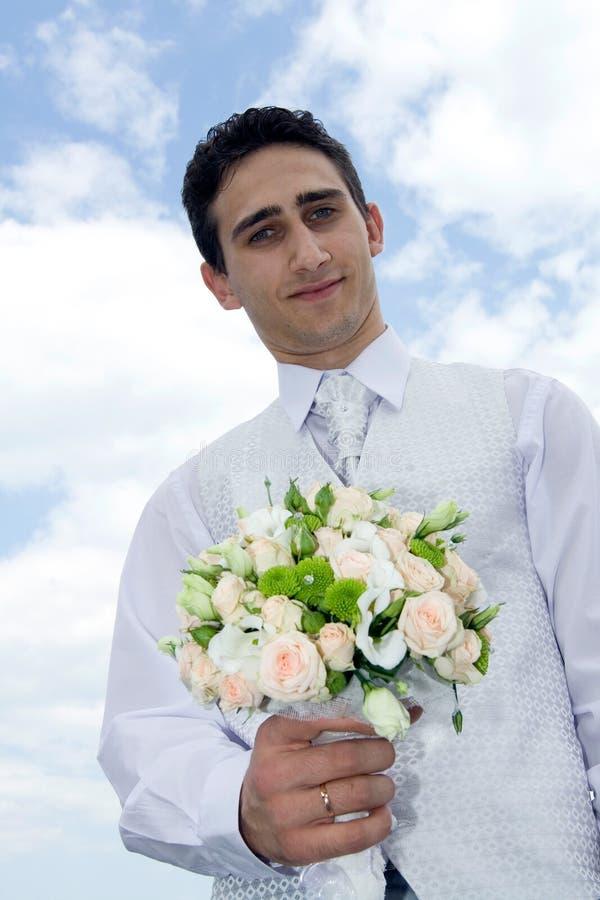 Noivo com ramalhete do casamento fotos de stock