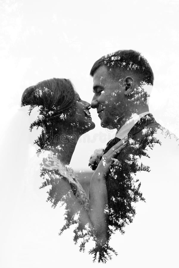 Noivo e noiva junto Pares do casamento imagens de stock