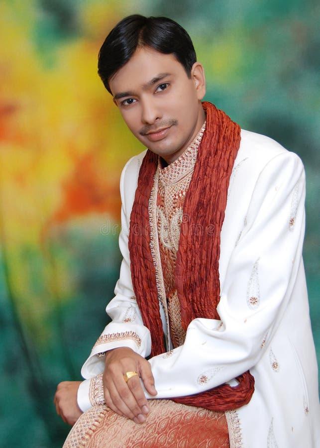 Noivo indiano atrativo imagens de stock royalty free