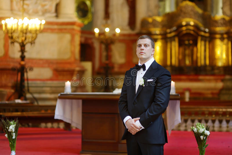 Noivo que espera a noiva imagem de stock royalty free