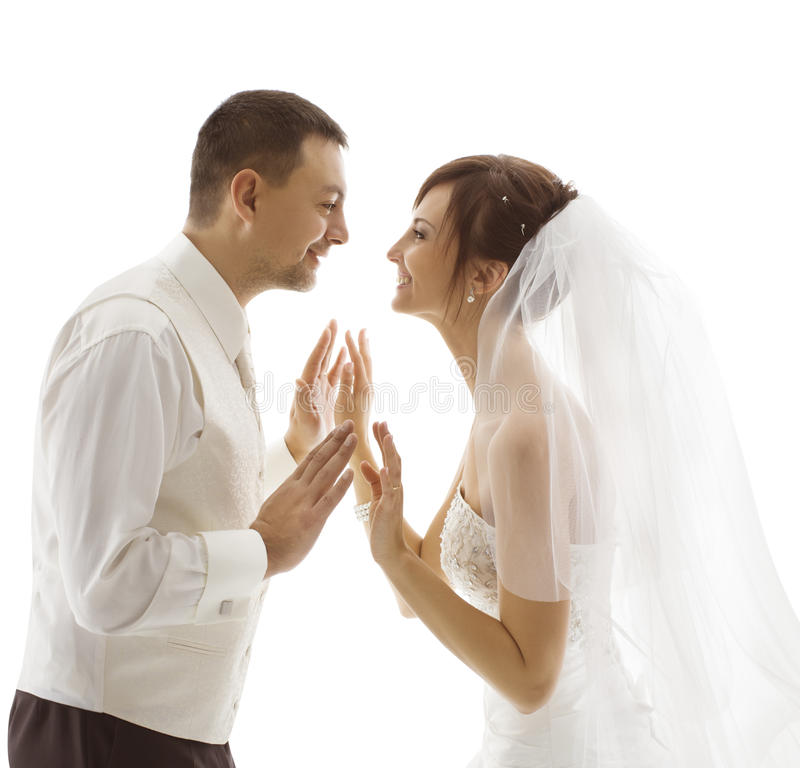 Noivos Portrait, par do casamento que olha-se fotos de stock royalty free