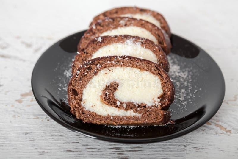 Noix de coco et chocolat Rolls image stock