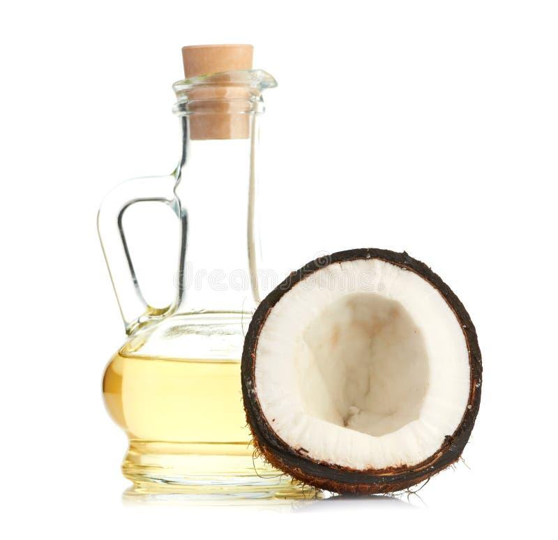 Noix de coco et pétrole photo libre de droits