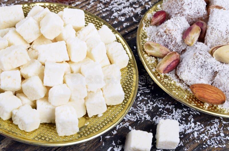 Noix de coco sèche et plaisir turc photographie stock