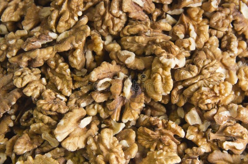 Noix vendues sur le march? d'?pice Les noix aident le cholest?rol inf?rieur Les bons grains mangent sain image libre de droits