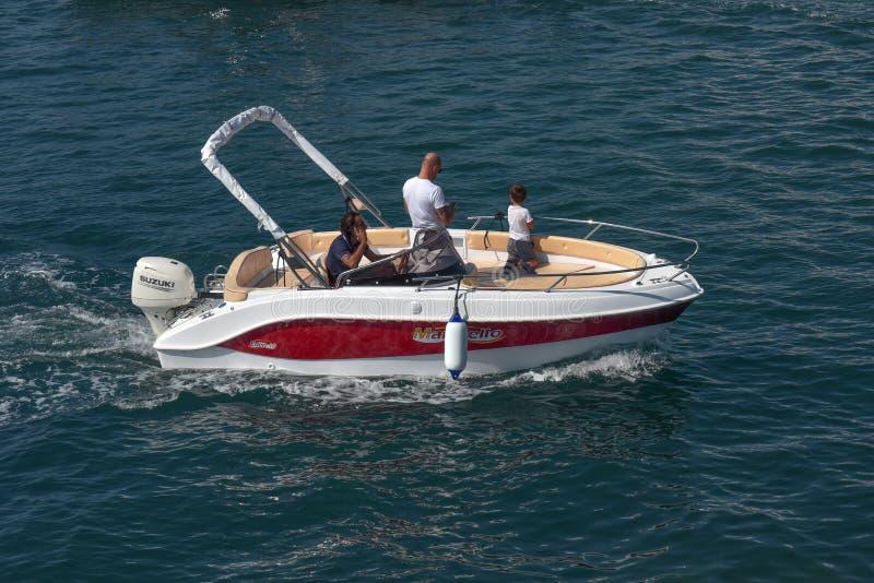 Noleggiatore di yachts l'Eden 18 fotografie stock