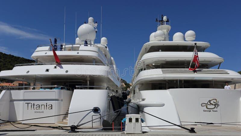 Noleggiatori di yachts di lusso immagini stock libere da diritti