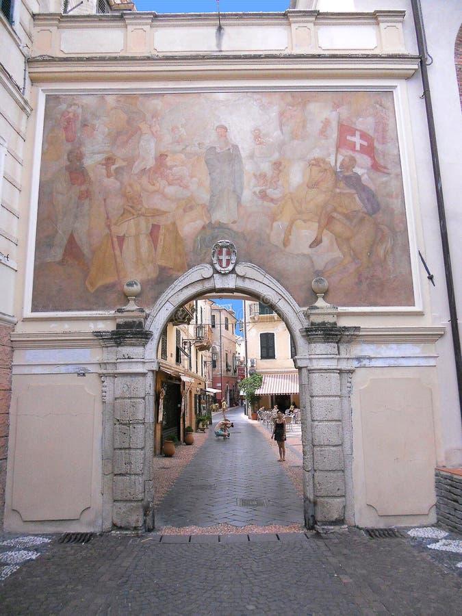 Noli, l'ingresso alla città immagine stock libera da diritti