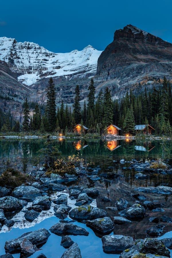 Nolla-`-Hara Lake Lodge skymning arkivfoto